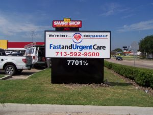 fast and urgent care sign